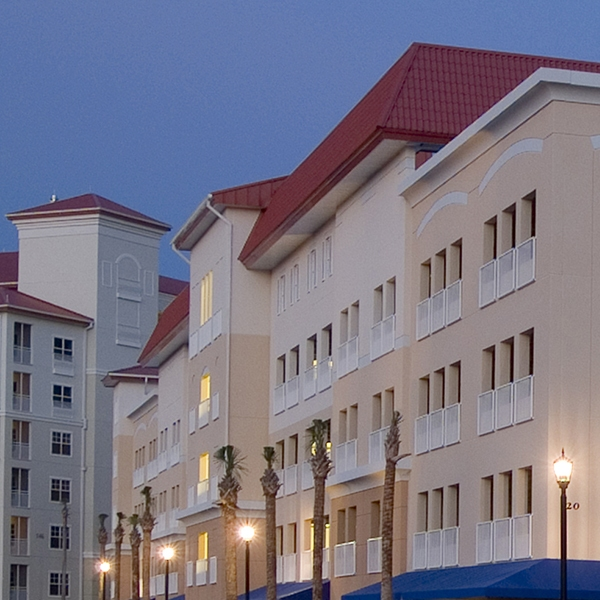 harborside inn & marina parking garage