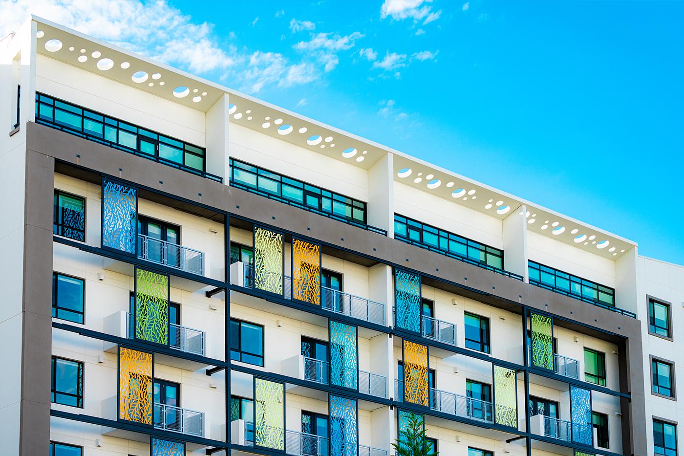 Art Deco Panels Exterior Wide Shot at Lake House Orlando Apartments